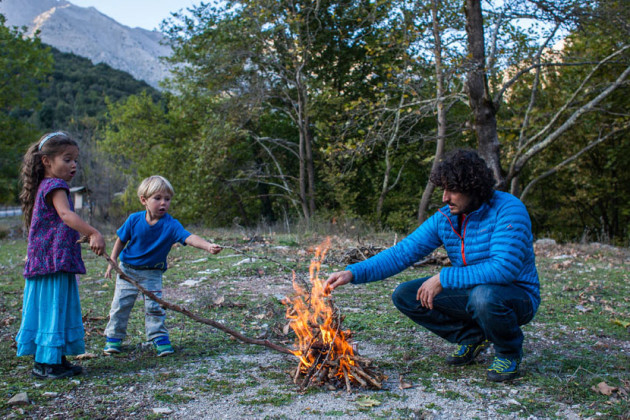 roadtrip-feu-famille-grece-fotovertical