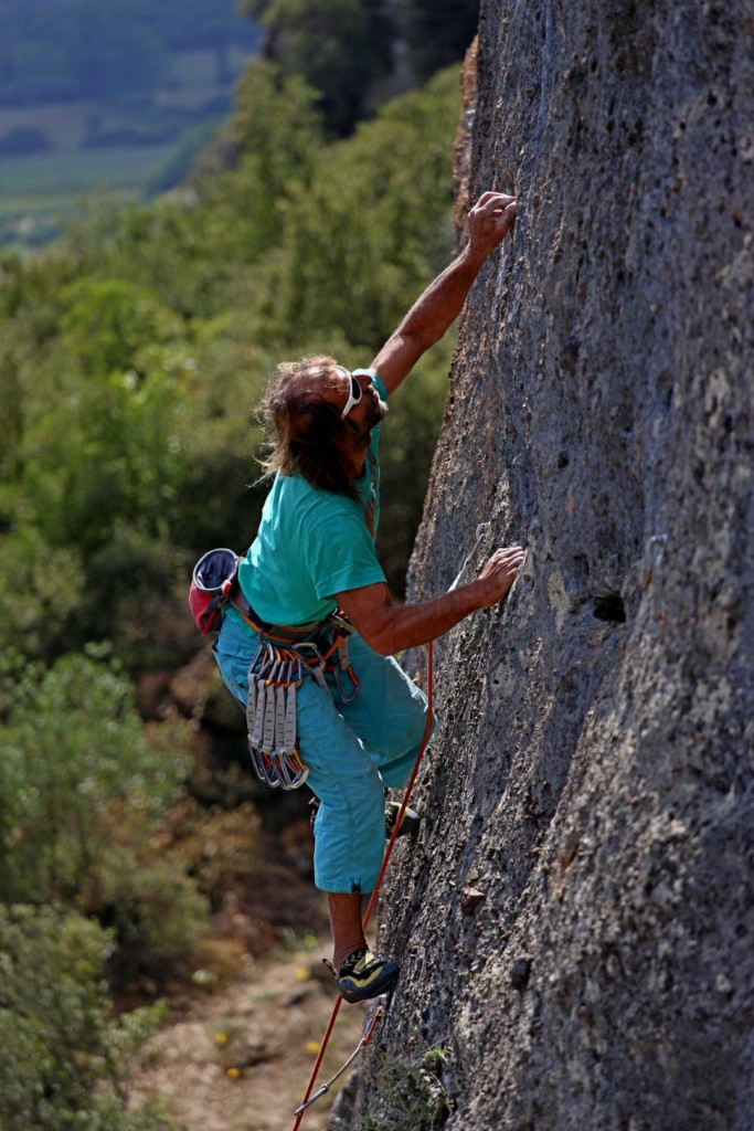 "George Kopalides expertly crimping his way up ""Corinthia Hotel Association"" 6c+"
